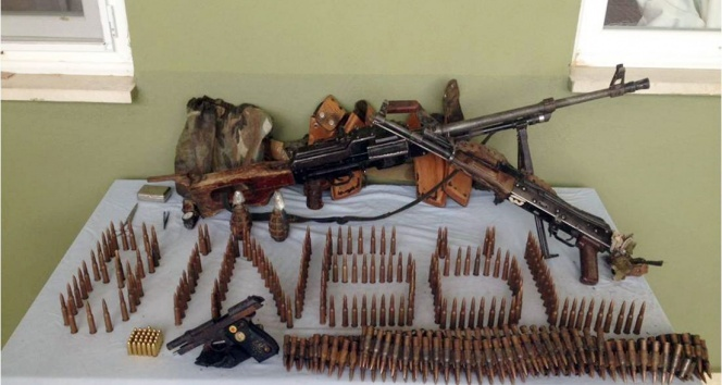 GENÇ'TE ÇATIŞMA: 2 PKK'LI ÖLDÜRÜLDÜ,1 KORUCU YARALI