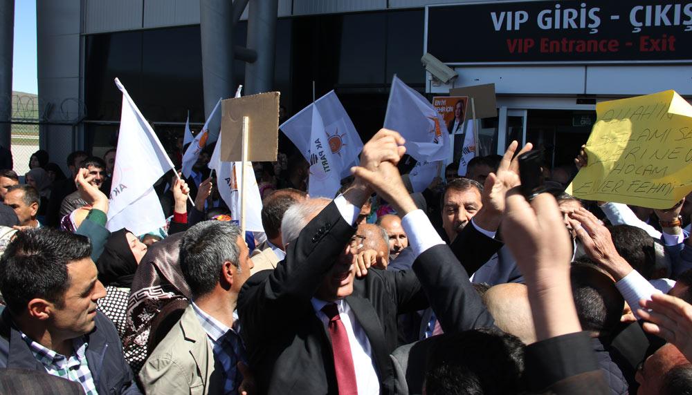AK Parti Bingöl Milletvekili adayları coşkuyla karşılandı