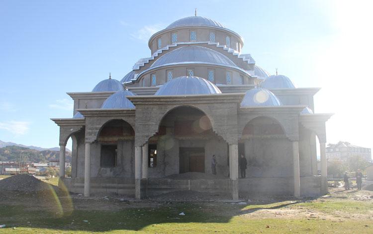 Cami ve Kur'an Kursu inşaatı destek bekliyor