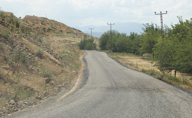 Grup köy yolu asfaltlandı