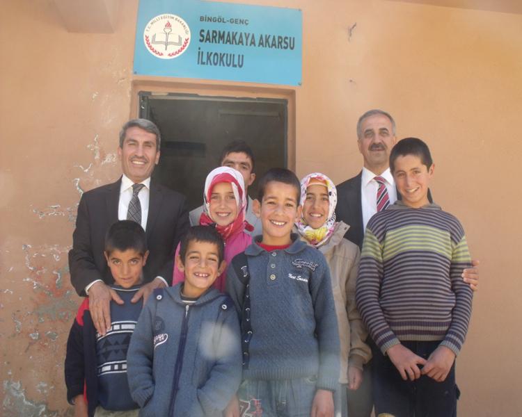 SARI Genç'te Vahkin Bölgesi Köy Okullarını Ziyaret Etti