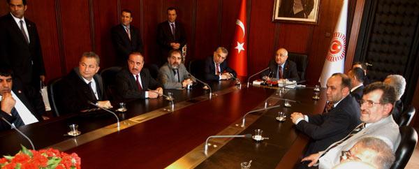 YENİ DEMOKRATİK ANAYASA PANELİ BİNGÖL'LE BULUŞUYOR