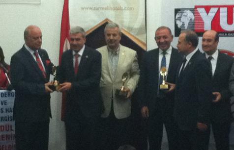 Taş'a Yılın Milletvekili Ödülü