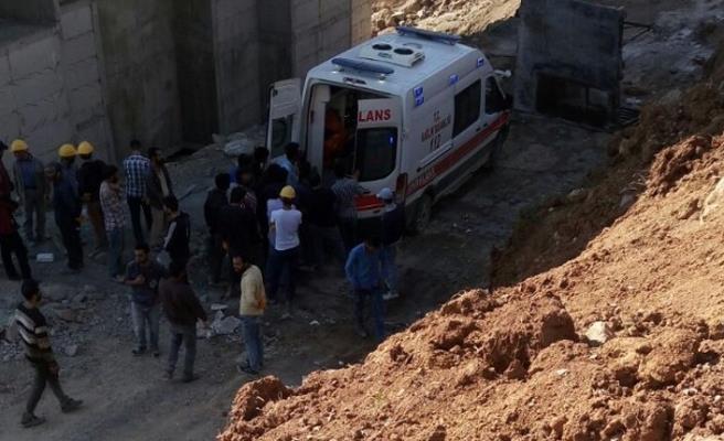 Hakkari'de inşattan düşen Gençli işçi hayatını kaybetti