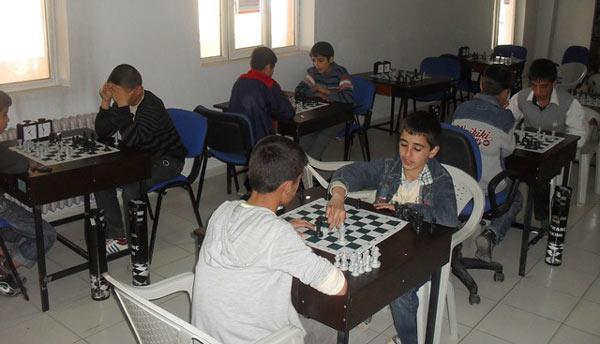 Emniyet, ödüllü satranç turnuvası düzenledi
