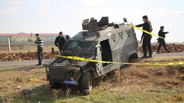 Karlıova'daki kazada yaralanan polis şehit oldu