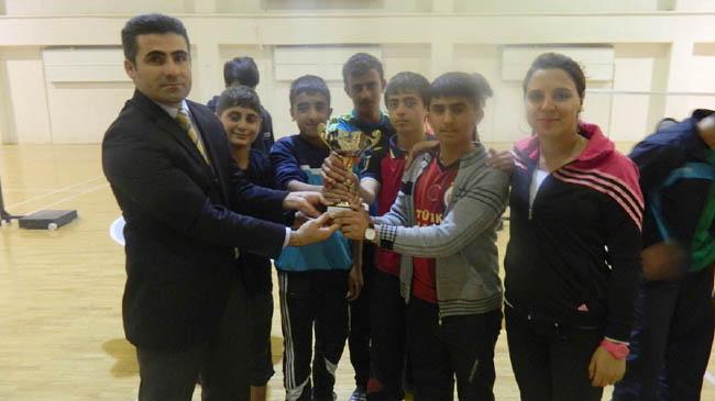 Badminton Turnuvası'na Genç damgası