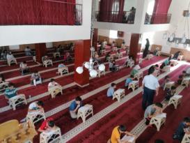Kur'an kurslarına katılan öğrenciler arasında ödüllü yarışma