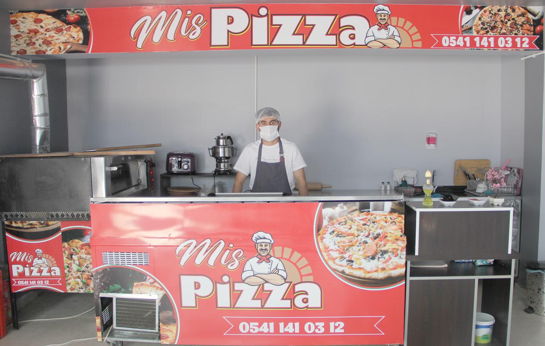 Genç'in İlk Pizzacısı Açıldı