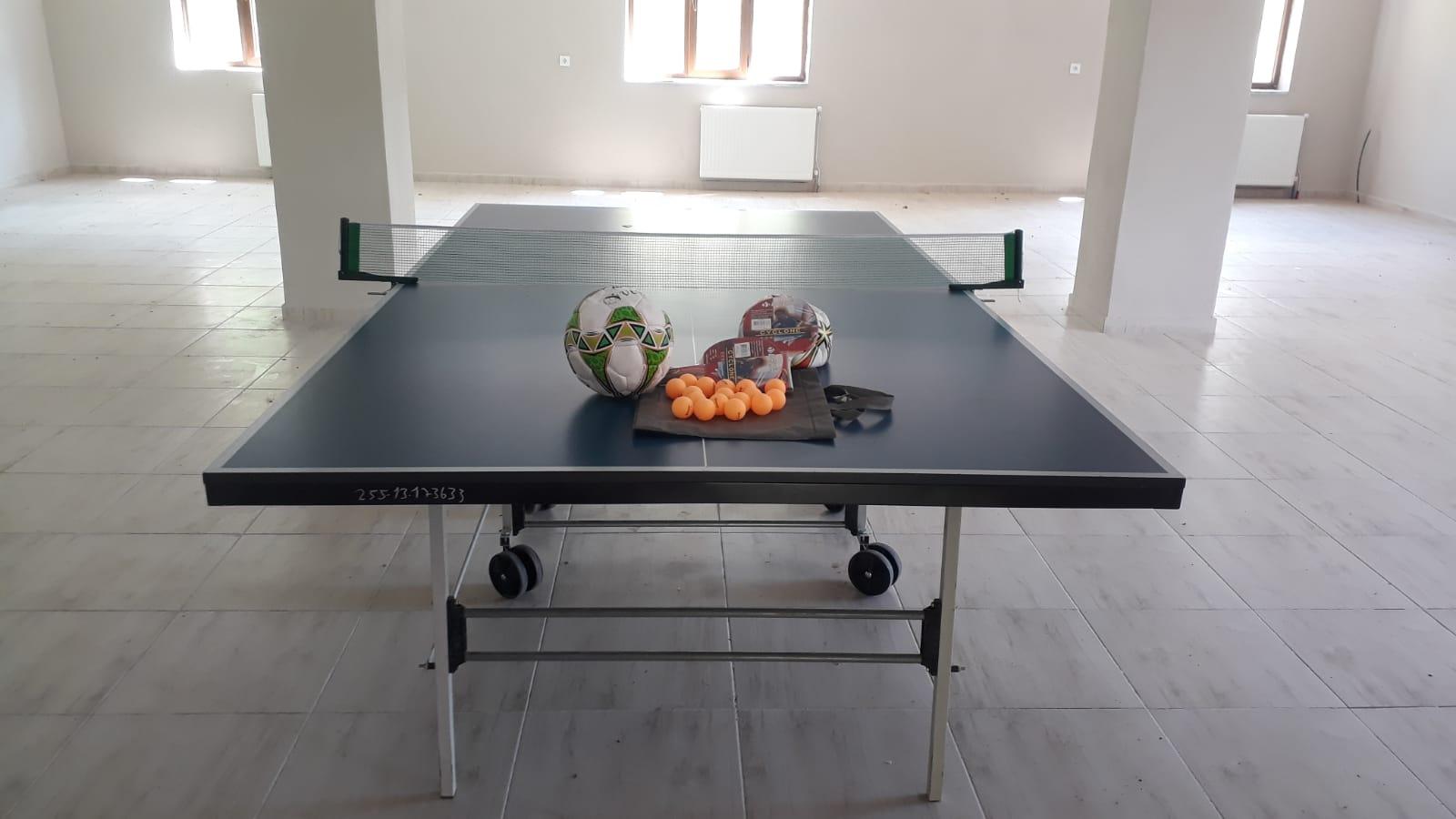 Köy Derneğine Spor Malzemeleri Bağışlandı