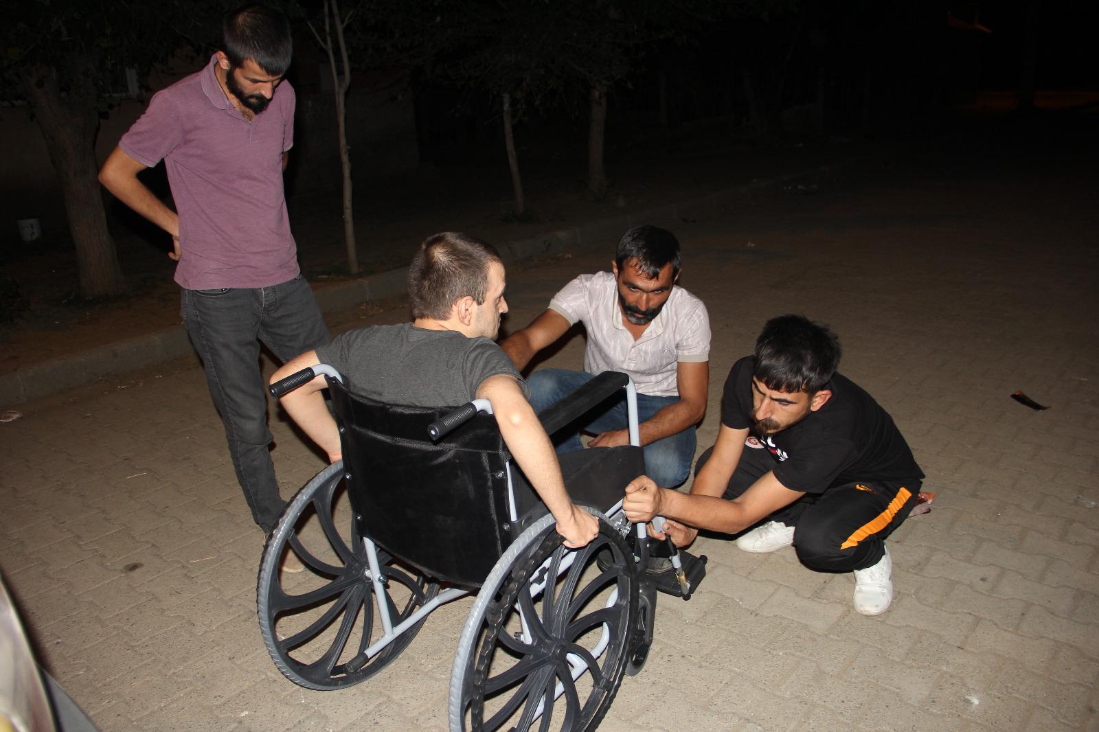 GİBS-DER, Tekerlekli Sandalyeler Hediye Etti